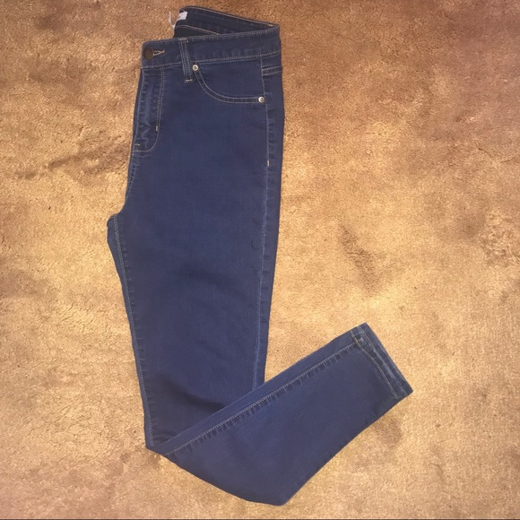 9186363d33f7b Forever 21 Denim - Forever 21 High Waisted Jeans
